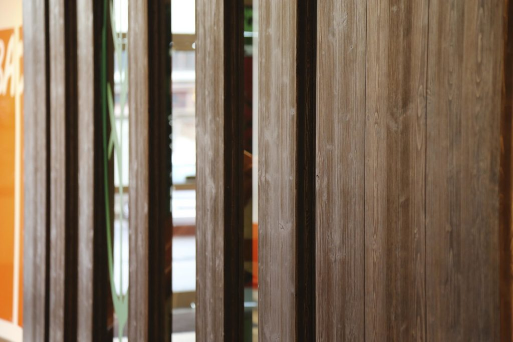 sbafo dettaglio legno